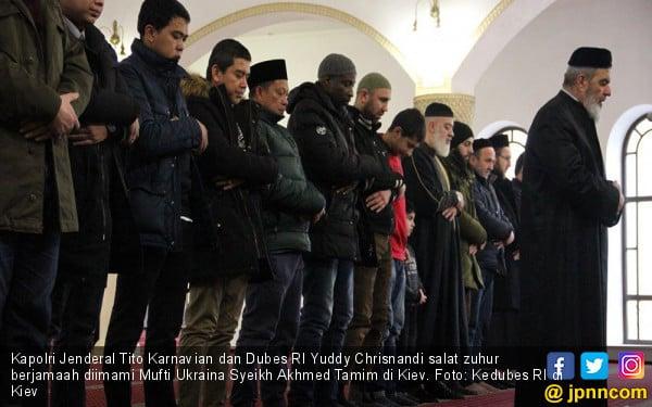 Di Ukraina, Kapolri Banggakan Toleransi Umat Islam Indonesia - JPNN.com