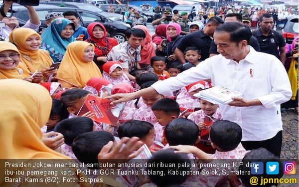 Begini Alasan Jokowi Membagian KIP kepada Para Siswa - JPNN.COM
