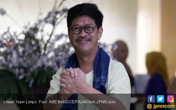 Mengeluarkan Tisu, Ichsan Yasin Limpo Menyeka Air Matanya - JPNN.COM