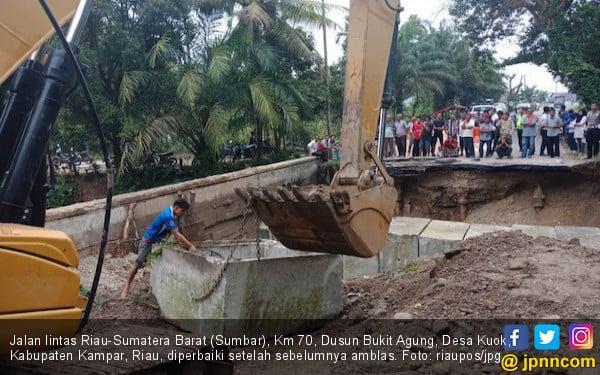 Kejati Soroti Jalan Lintas Riau-Sumbar yang Kembali Amblas - JPNN.COM