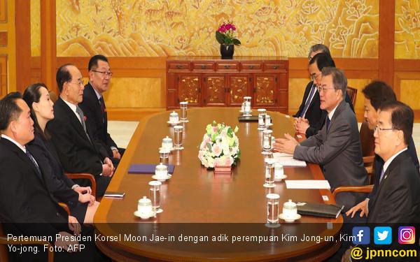 Pertemuan Bersejarah Adik Kim Jong un dan Presiden Korsel - JPNN.COM