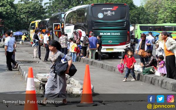 Arus Balik, Jumlah Pemudik di Terminal Bekasi Masih Sedikit - JPNN.com