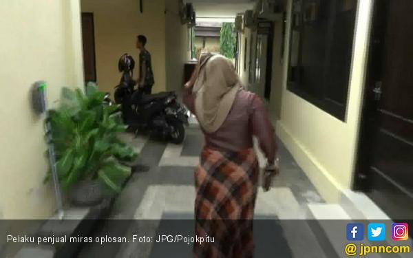 Perempuan Ini Jual Ratusan Liter Miras Oplosan - JPNN.COM