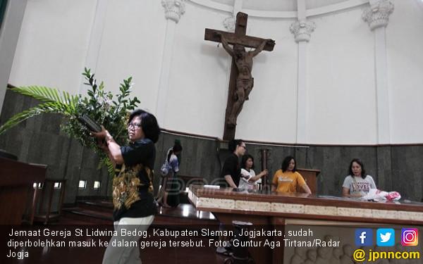 Pengakuan Suliono, Penyerang Jemaat Gereja St Lidwina - JPNN.COM