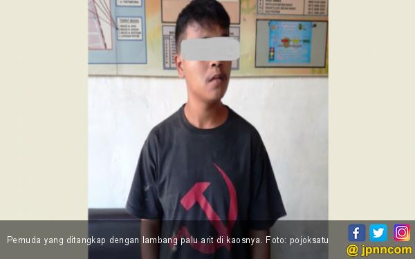 Pakai Kaus Bergambar Palu Arit, Logos Diciduk Polisi - JPNN.COM