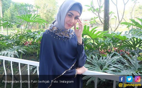Kartika Putri Berhijab, Fenita Arie Langsung Telepon - JPNN.COM