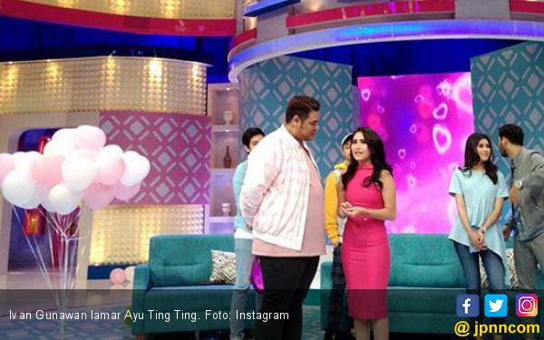 Bertepatan Valentine, Ivan Gunawan Lamar Ayu Ting Ting - JPNN.COM