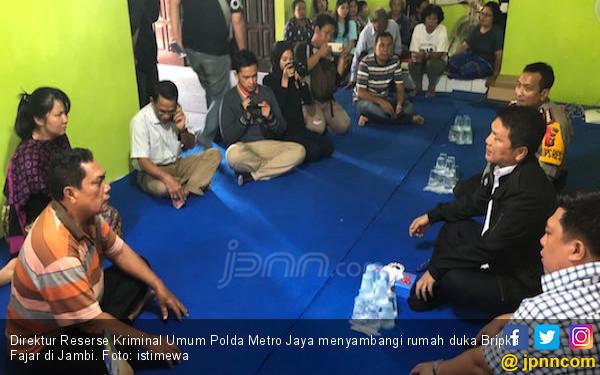 Polda Metro Takziah ke Rumah Duka Bripka Fajar - JPNN.COM