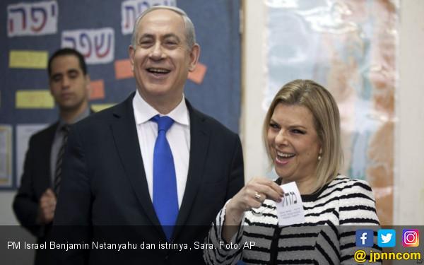 Netanyahu Terima Suap Miliaran, Istrinya Ikut Kecipratan - JPNN.COM