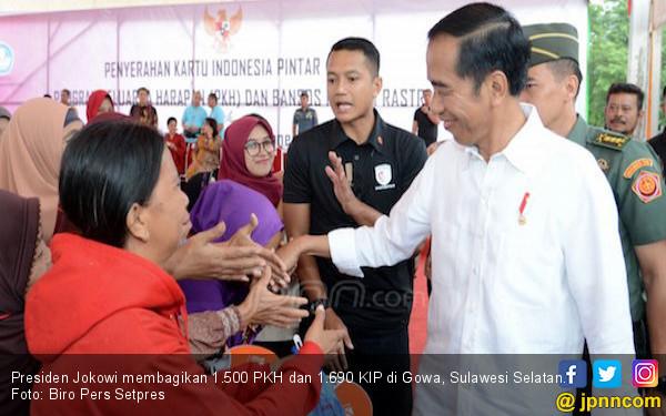 Jokowi: Dana PKH Jangan Buat Beli Rokok atau Pulsa - JPNN.COM