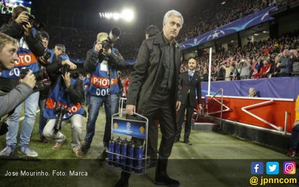 Jose Mourinho Bandingkan Sevilla dengan Liverpool - JPNN.COM