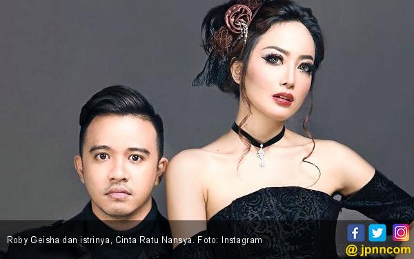 Roby Geisha Menolak Dicium, Begini Respons Cinta - JPNN.COM