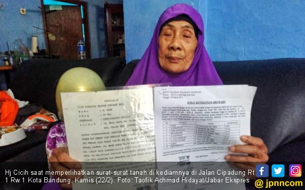 Kisah Ibu Tua Digugat Empat Anak Kandungnya - JPNN.COM