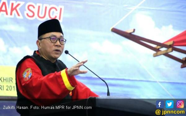 Larangan Mahasiswi Bercadar, Ketua MPR: Di Eropa Saja Boleh - JPNN.COM