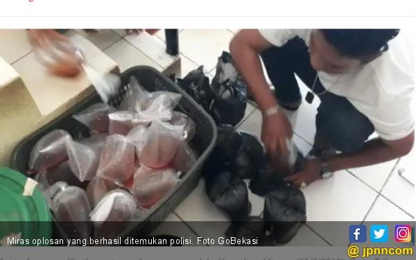 Polisi Tambun Sita Puluhan Bungkus Miras Oplosan - JPNN.COM