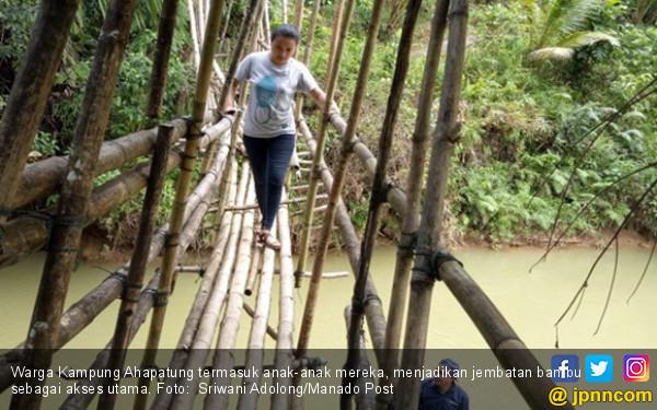 Bayangkan jika Anak Anda Pergi ke Sekolah Lewat Jembatan Ini - JPNN.COM