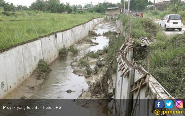 Kontraktor Kabur, Proyek Miliaran Telantar