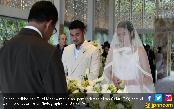Jelang Senja di Bali, Chicco Jerikho-Putri Ikat Janji Suci - JPNN.COM