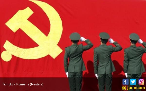 Kader Partai Komunis Bersumpah Memerangi Halalifikasi - JPNN.COM