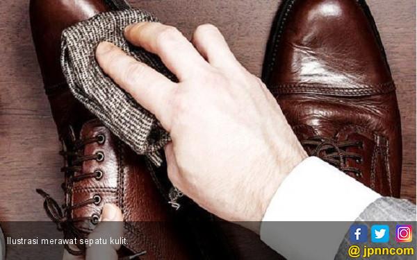 Cara Mudah Merawat Sepatu Kulit - JPNN.COM