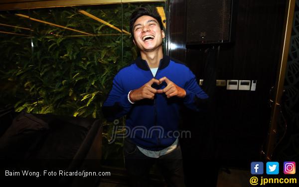 Baim Wong Gandeng Pacar Baru - JPNN.COM