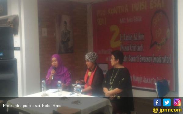 Puisi Esai Memperkaya Studi Tentang Indonesia - JPNN.COM