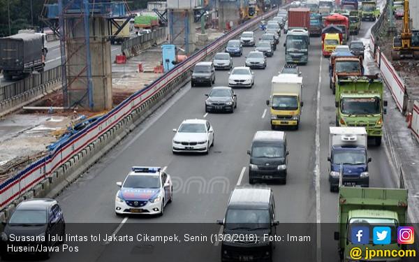 Menhub Sebut Lalu Lintas di Tol Bekasi Lampaui Batas - JPNN.COM