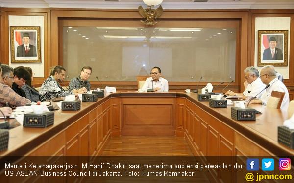 Kemnaker Berkomitmen Permudah Perizinan Pekerja Asing - JPNN.COM