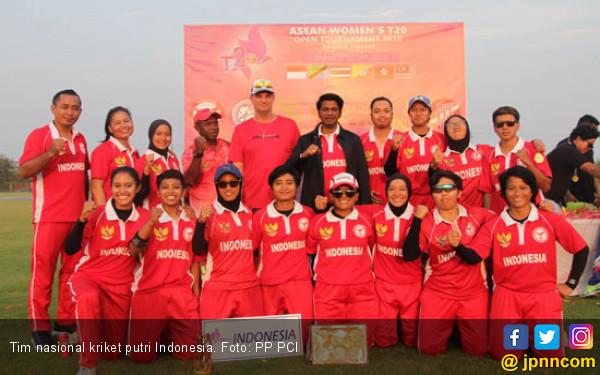 Tim Kriket Putri Indonesia Runner up di Thailand - JPNN.COM