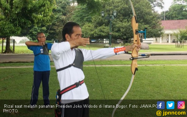 Cerita Rizal, sang Pelatih Panahan Presiden Jokowi, Ternyata - JPNN.COM