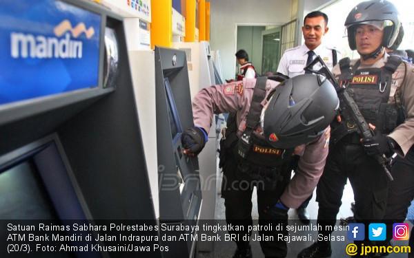 Pria Ini Sudah 18 Kali Berhasil Bobol ATM - JPNN.COM