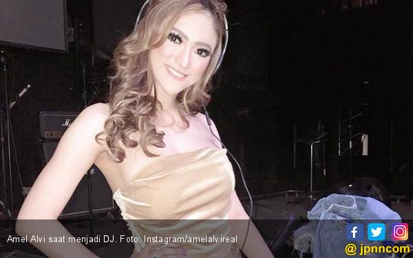 Gagal Menikah, Amel Alvi Pilih Fokus Berkarier - JPNN.com