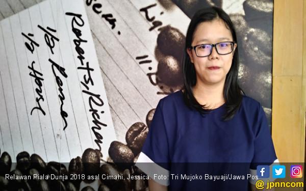 Kisah Haru Jessica, Relawan Piala Dunia 2018 Asal Cimahi - JPNN.COM