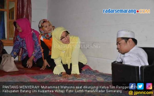 Muhammad Wahyono, Si Penghafal Alquran Tanpa Kaki dan Tangan - JPNN.COM