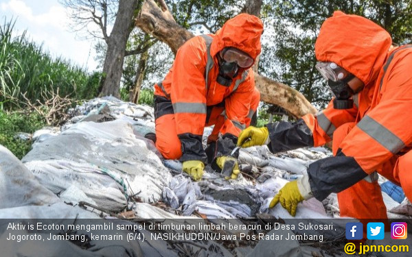 Puluhan Ribu Sak Limbah Beracun Bertebaran di 3 Kecamatan - JPNN.COM