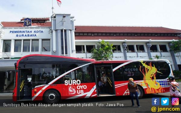 Suroboyo Bus Kumpulkan 1 Ton Sampah Per Hari - JPNN.COM