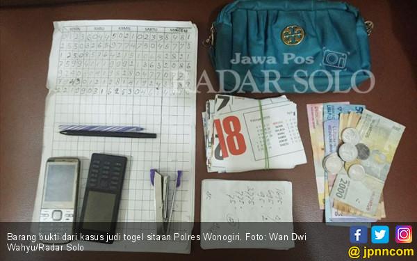 Tukang Becak Nyambi Jual Kupon Togel, Kena Deh - JPNN.COM