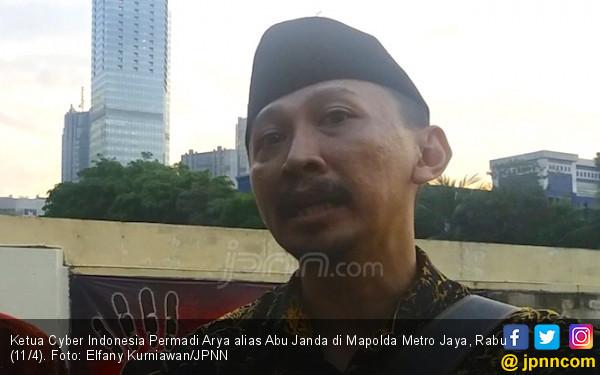 Advokat Bela Tauhid Laporkan Abu Janda ke Bareskrim - JPNN.com