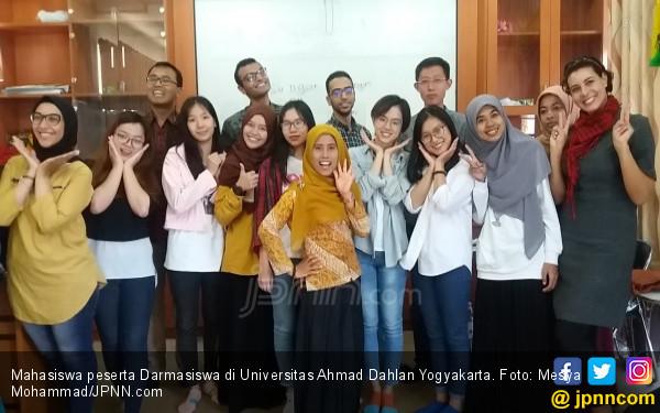 Darmasiswa Dongkrak Akreditasi UAJY dan UAD - JPNN.COM