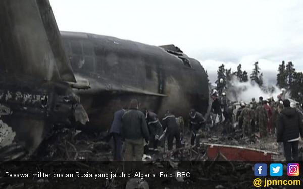 Pesawat Militer Bikinan Rusia Jatuh Usai Lepas Landas - JPNN.COM
