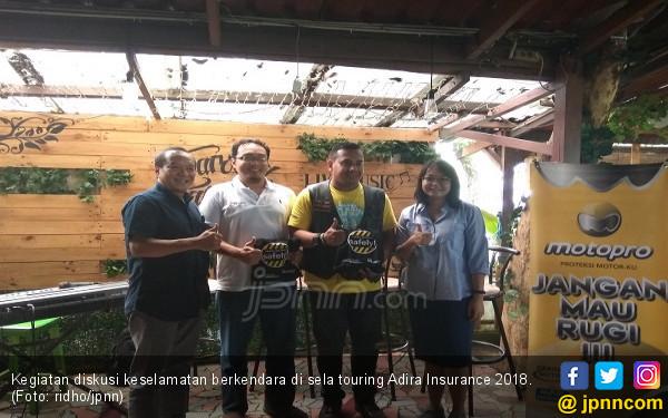 Touring Adira Insurance Sarat Edukasi Keselamatan Berkendara - JPNN.COM