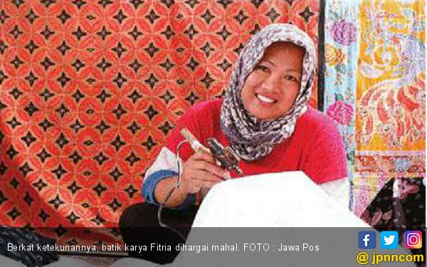 Omzet Ratusan Juta Rupiah Per Bulan dari Batik - JPNN.COM