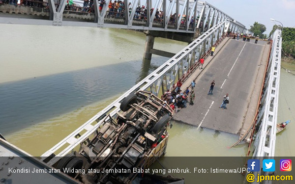 Jembatan Babat Ambruk, 2 Warga Meninggal Dunia - JPNN.COM