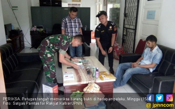 Lihatlah, Pengedar Sabu-Sabu Tertunduk di Depan Anggota TNI - JPNN.COM