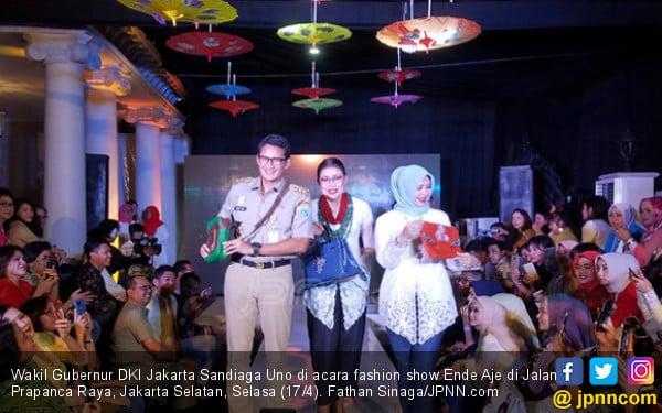 Ketika Sandiaga Uno Melenggang di Atas Catwalk - JPNN.COM