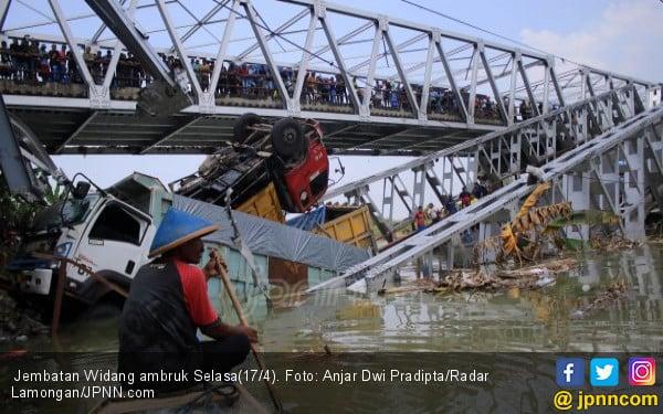 Detik Detik Mengerikan Jembatan Widang Ambruk Jpnn Com