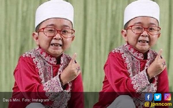 Ibu Daus Mini Kecewa Putranya Dimanfaatkan Artis Dangdut - JPNN.com
