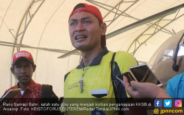 Menangis, Pak Guru Cerita Detik-detik Dirampok KKSB - JPNN.COM