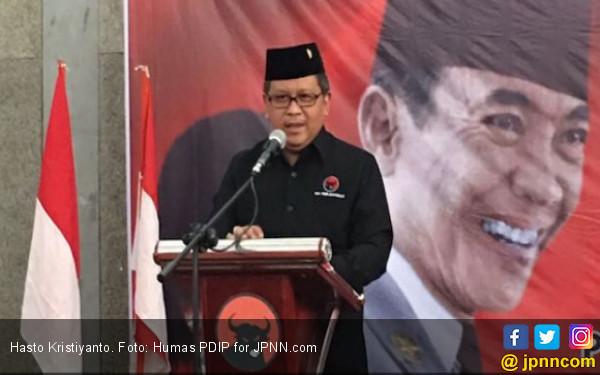 Soal Nama Mahfud MD, Simak nih Omongan Mas Hasto - JPNN.COM
