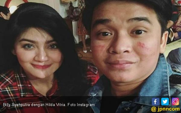 Hilda Vitria Tak Ikut Berziarah ke Makam Olga Syahputra - JPNN.COM